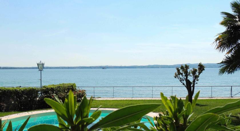 Garda lake villa rental