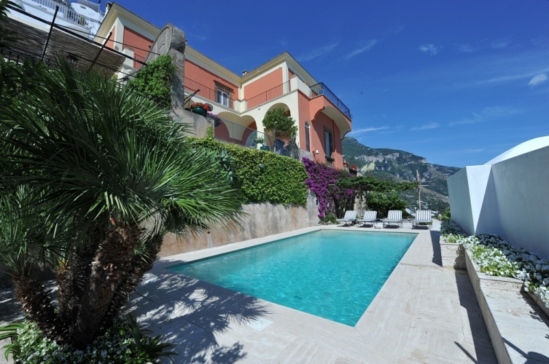 Positano villas with pools