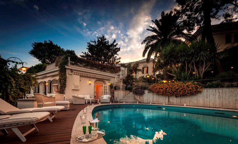 Villa Naples with pool